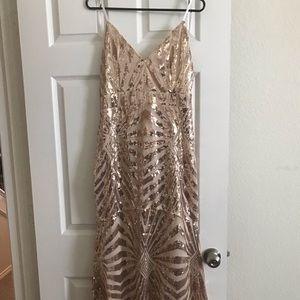 Dresses & Skirts - XL Gold Sequence Dress.